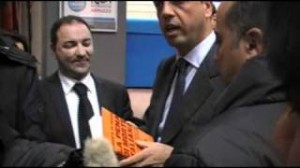 CONSEGNA AL MINISTRO ALFANO DELLE TRE INTERROGAZIONI PARLAMENTARI